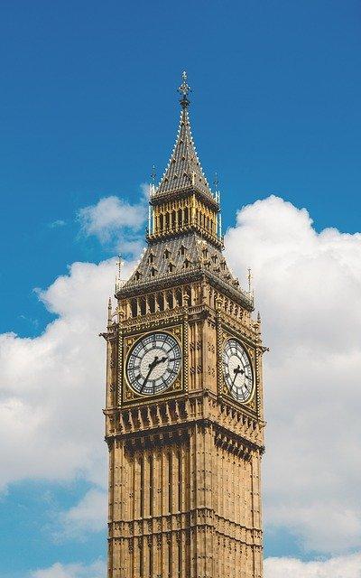 McKenzie Friend based in London